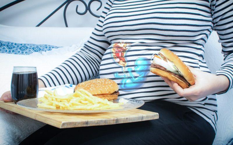 Une alimentation malsaine pendant </br>la grossesse précipiterait l'obésité infantile